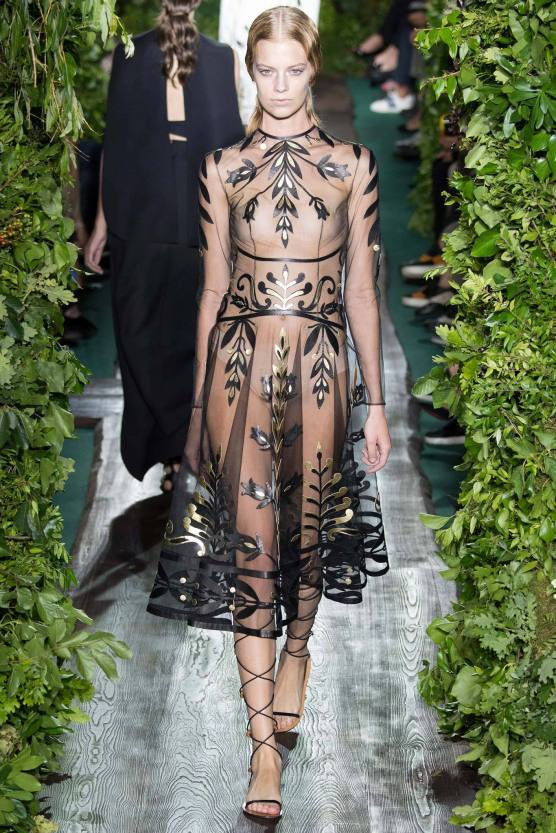 valentino-couture-fall-2014-05_17321756878